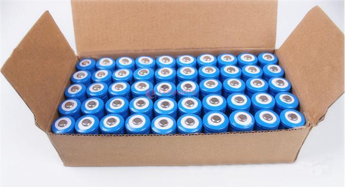 レーザーポインター 電池 種類