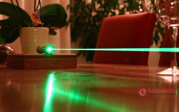 緑色レーザーポインター525nm世界最強