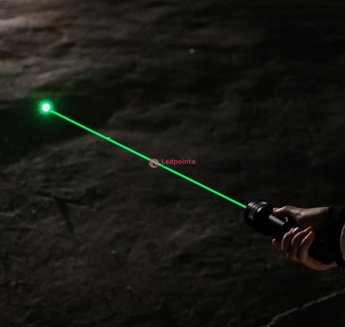 LEDライト 明るいレーザーポインター