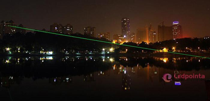 100mw緑色レーザーポインター