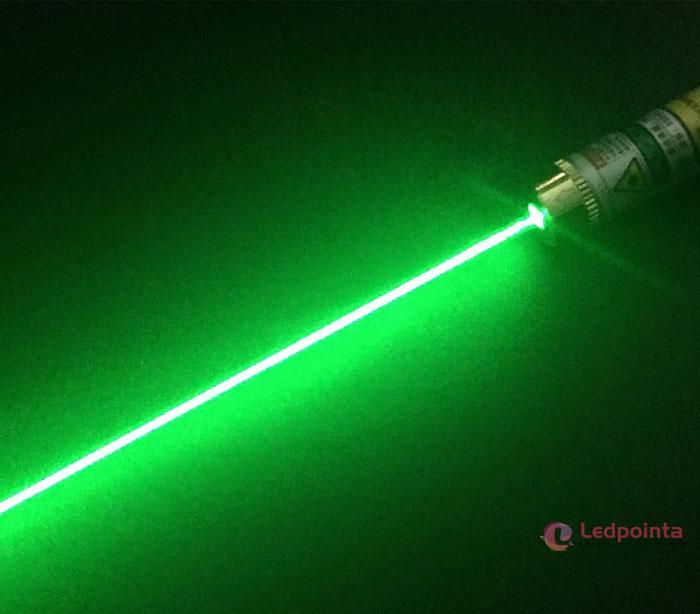 充電式レーザーポインター機能