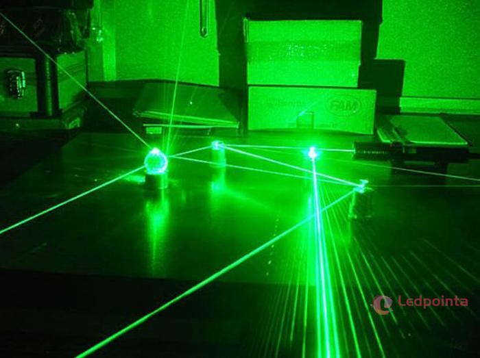 高出力グリーンレーザーポインター2500mw