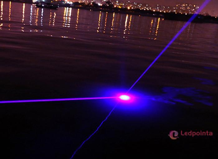 紫色レーザーポインターの使用方法