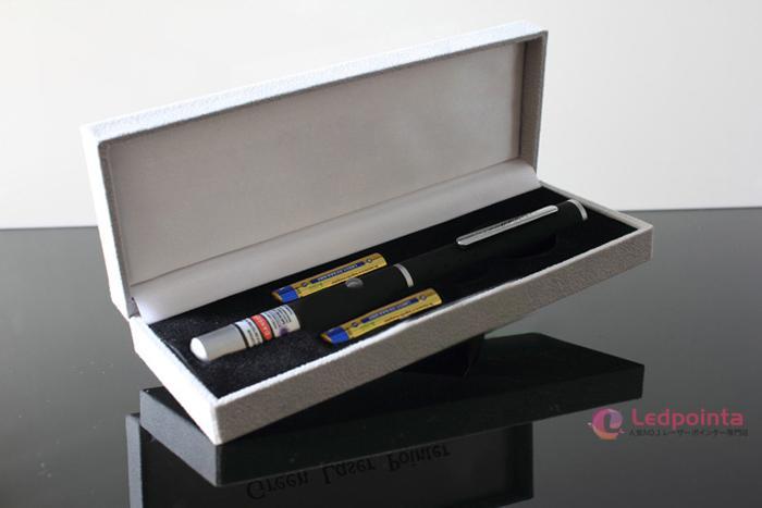 新品 紫レーザーペン