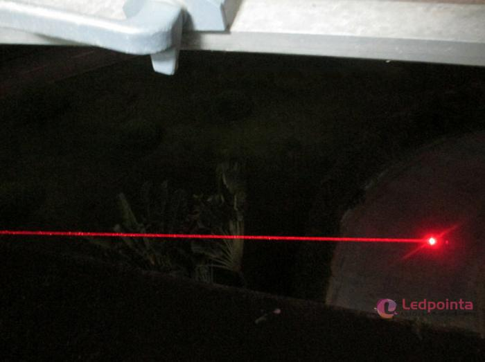 200mw red laserpointer アメリカ製との比較